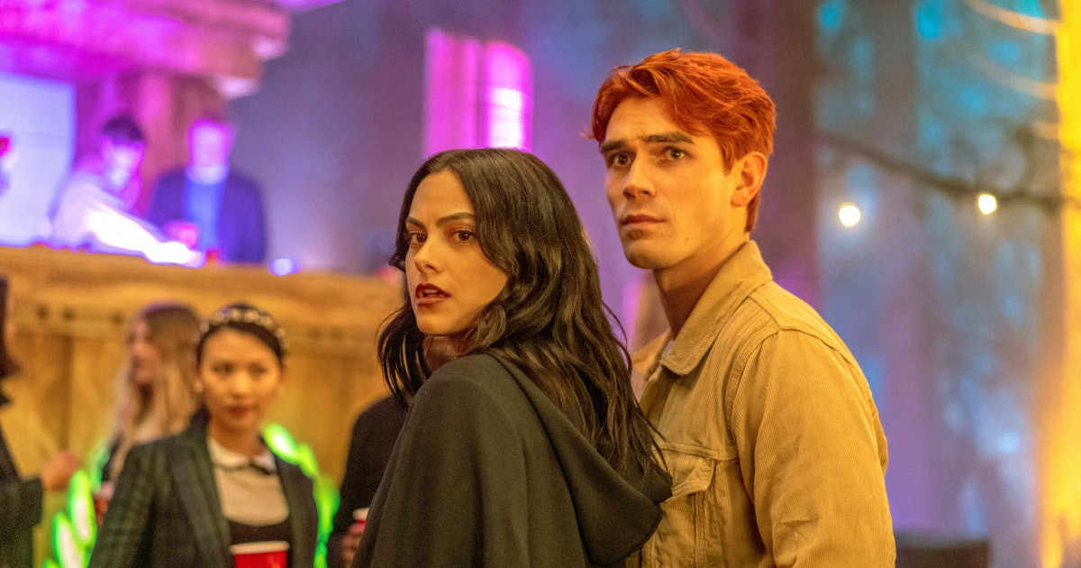 Here's Why 'Riverdale' Isn't Airing On Feb. 19, Even Though Fans NEED Answers