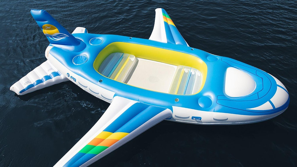 Sam's Club's 18-foot Plane Float is everything you'll need for the perfect summer.