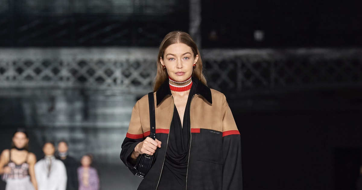 Burberry Just Debuted Its New It-Bag On The Runway