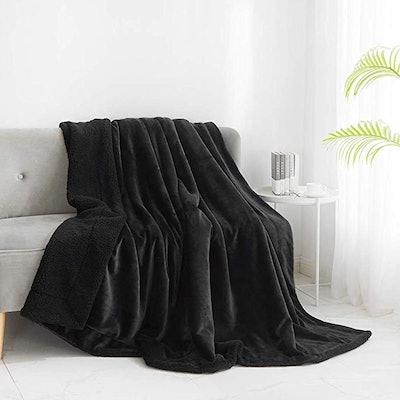 Walensee Sherpa Fleece Blanket