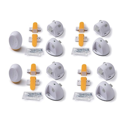 Safety 1st Adhesive Magnetic Child Safety Lock System (Set of 8 Locks and 2 Keys)