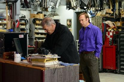 Robert Forster as Ed and Bob Odenkirk as Saul Goodman in Breaking Bad Season 5, Episode 15