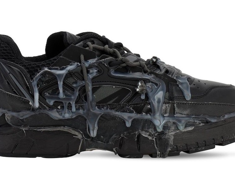 On shoe cum Cum on
