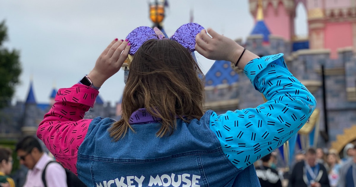 10 Things You Absolutely Need To Do At Disneyland, No Matter Your Age