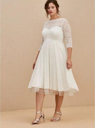 IVORY LACE TEA-LENGTH WEDDING DRESS
