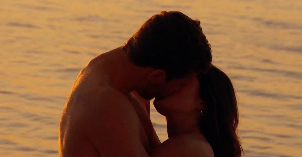 Peter Weber kissing Hannah Ann