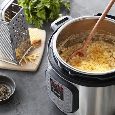 Instant Pot Duo Mini 7-in-1 Electric Pressure Cooker