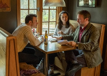 Knives Out Rian Johnson on set with Chris Evans and Ana de Armas
