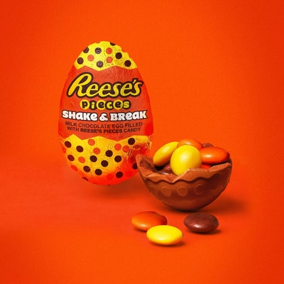 Reese's Pieces Shake and Break Egg