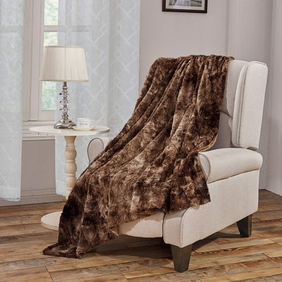 softan Faux Fur Throw Blanket
