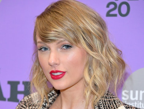 Is Taylor Swift Engaged? Her 'Miss Americana' Ring Is On A Specific Finger