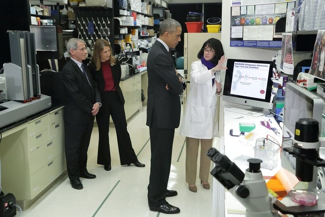 Dr. Nancy Sullivan of NIH's National Institute of Allergy and Infectious Diseases briefs President Barack Obama on Ebola research, Dec. 2, 2014. NIH, CC BY