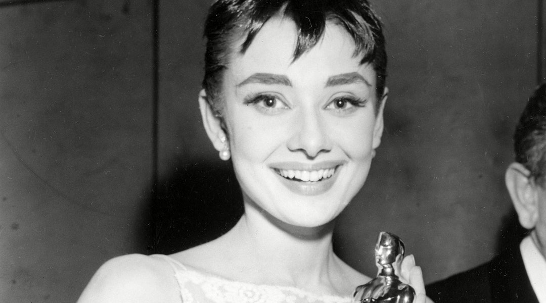 The best Oscars beauty looks that are still trendy today.