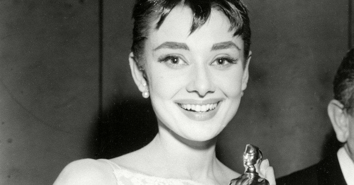 The Best Oscars Beauty Looks From The Past 100 Years That'd Be Just As On Trend Today