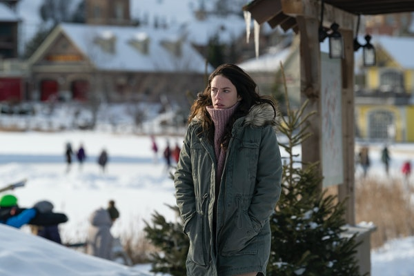 Kaya Scodelario on Netflix's 'Spinning Out'