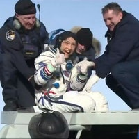 Christina Koch: Amazing NASA video shows moment astronaut lands on Earth