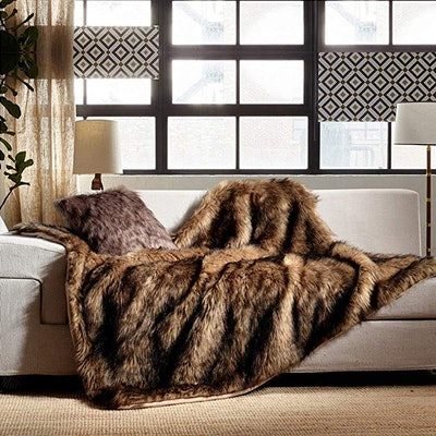 HORIMOTE HOME Faux Fur Throw Blanket