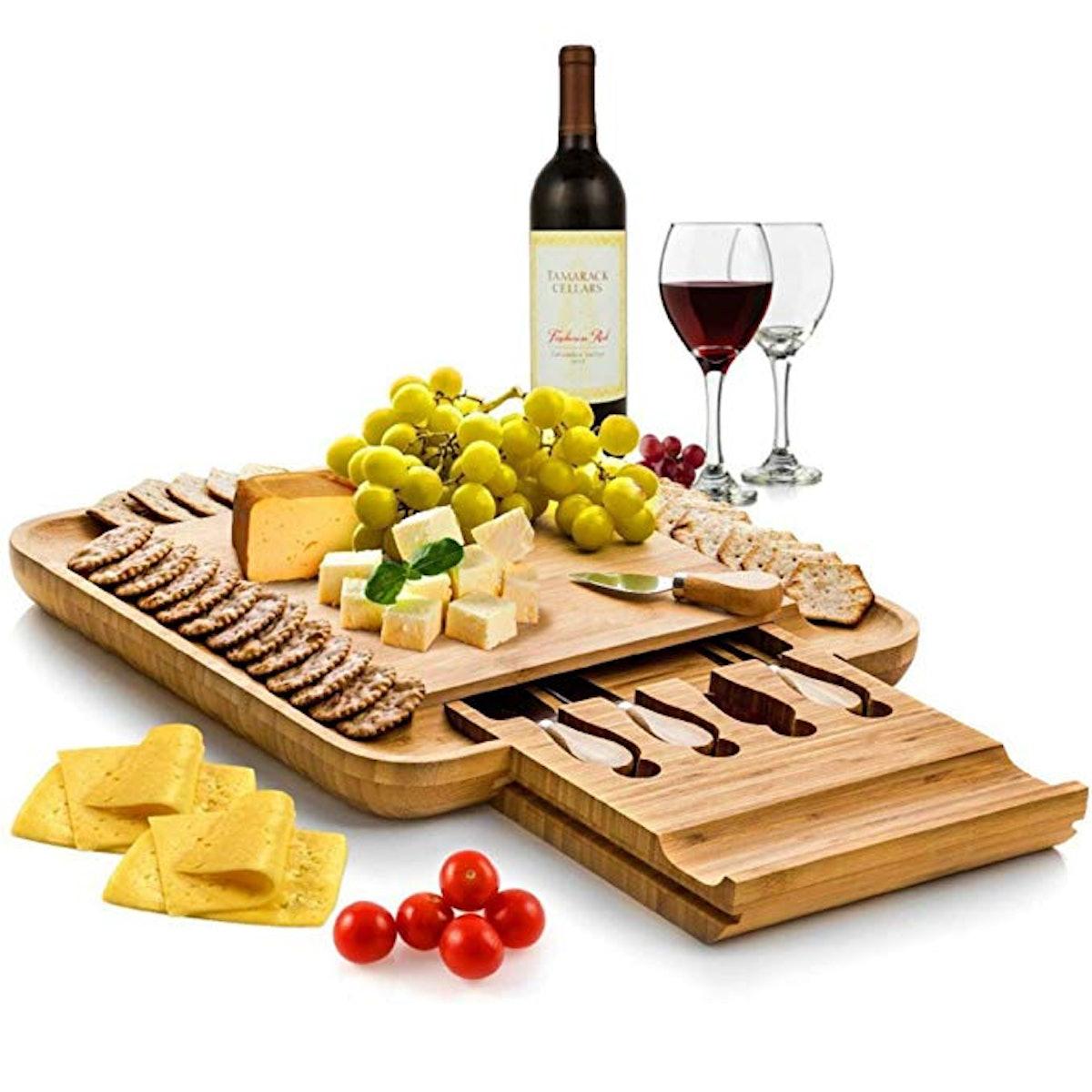 Bambusi Bamboo Cheese Board and Knife Set