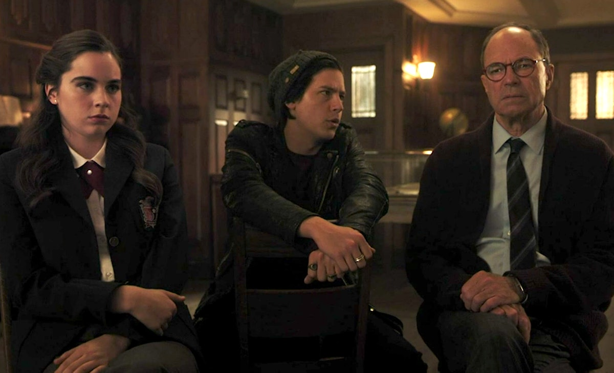 Jughead explained the whole Stonewall Prep murder mystery in 'Riverdale.'