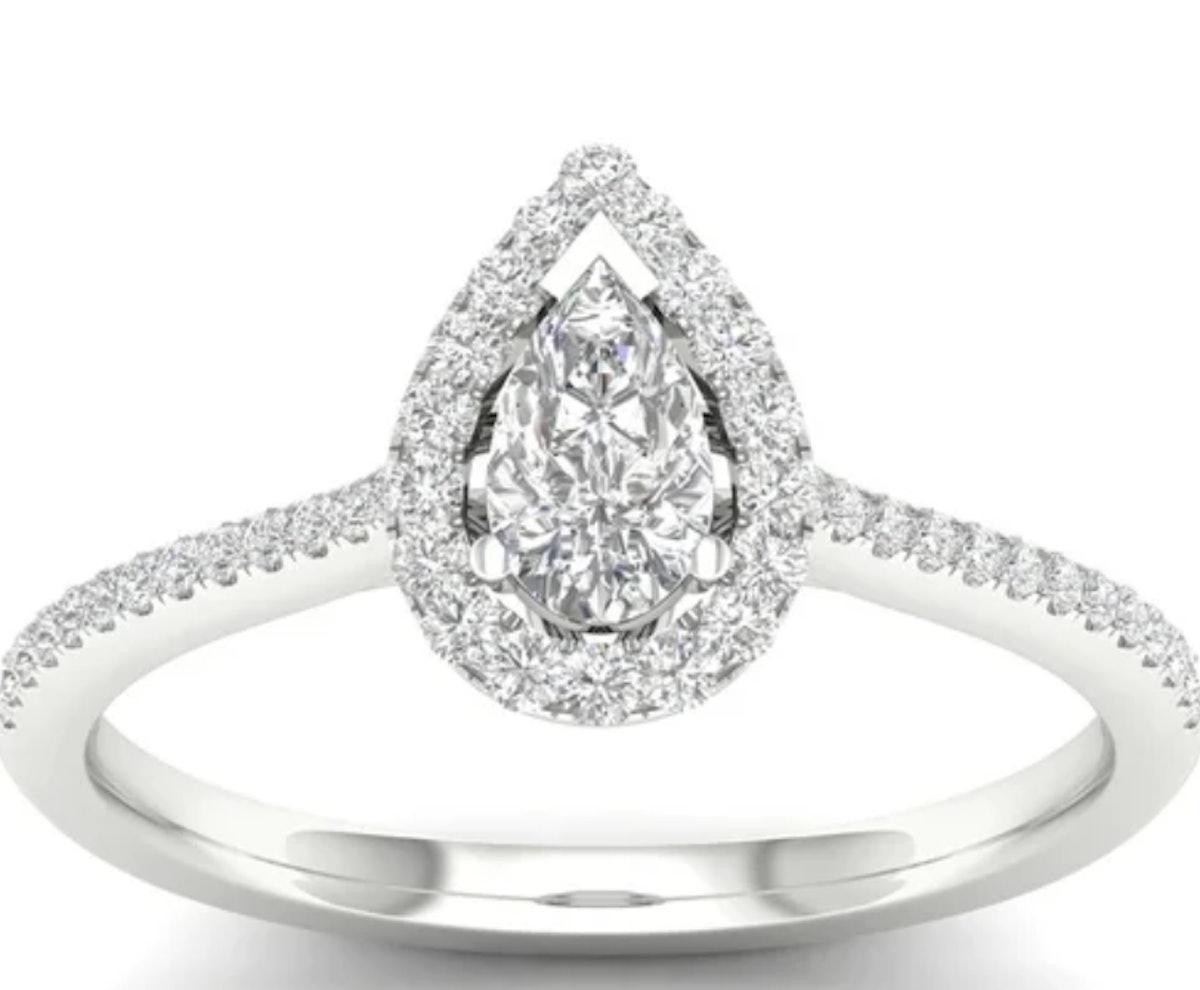 De Couer 10k Gold 1/3ct TDW Diamond Halo Engagement Ring