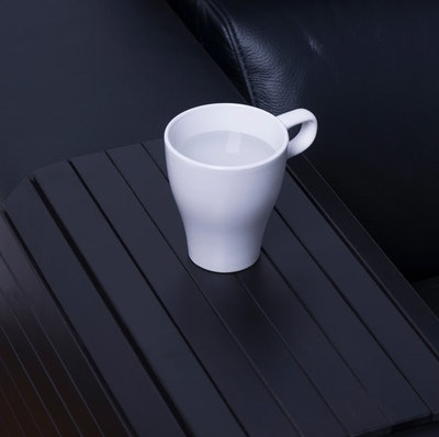 Black armrest tray