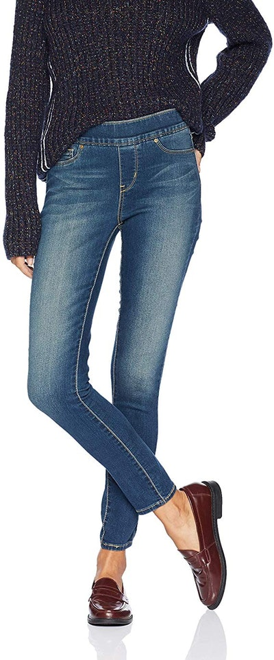Signature by Levi Strauss & Co. Gold Label Women's Totally Shaping Pull-on Skinny Jeans
