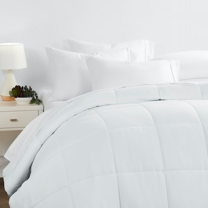 Noble Linens Down Alternative Comforter