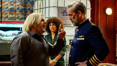 Judd faces off with Hugh Laurie's ship captain.