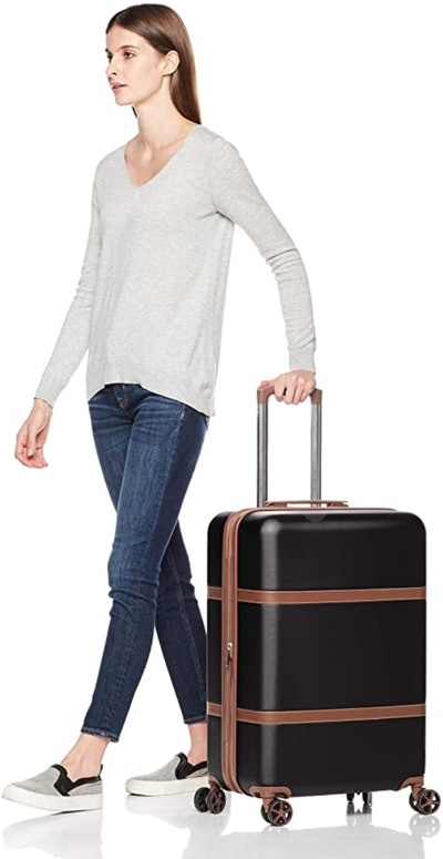 AmazonBasics Vienna Suitcase (26.77 by 11.8 by 17.9 Inches)