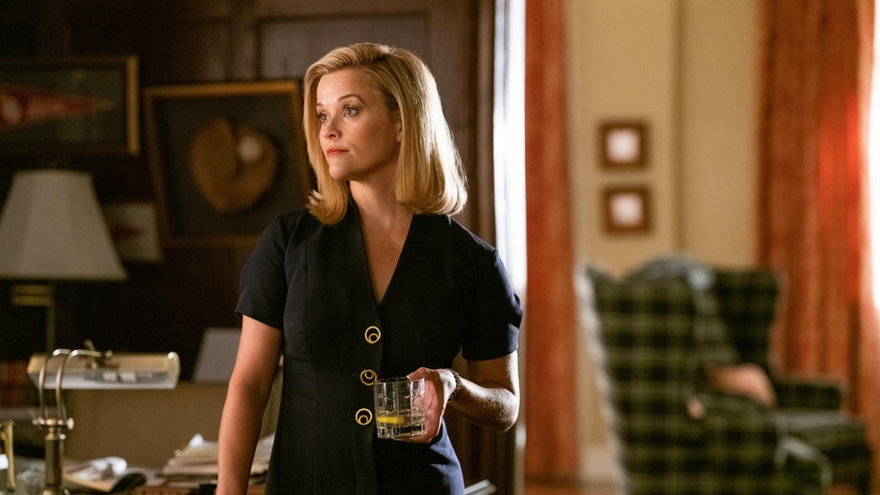 reese witherspoon as elena on little fires everywhere