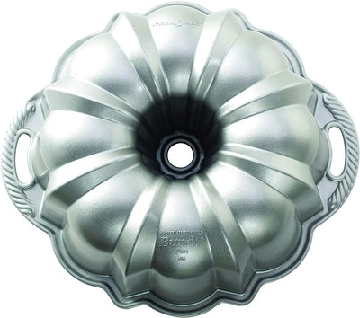 Nordic Ware Platinum Collection Anniversary Bundt Pan (10.5 by 10.5 by 4.5 Inches)