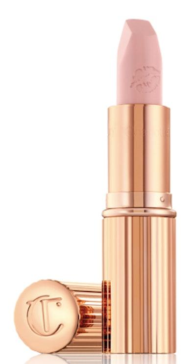 Hot Lips in Kim K.W.