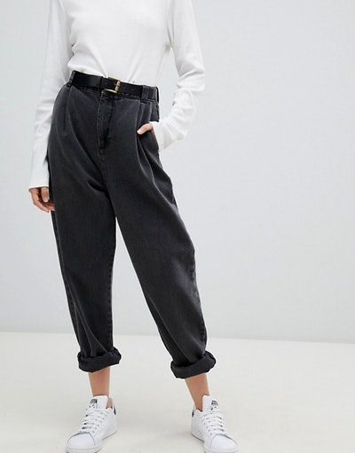 Tapered Boyfriend Jeans With Curved Seams And Belt
