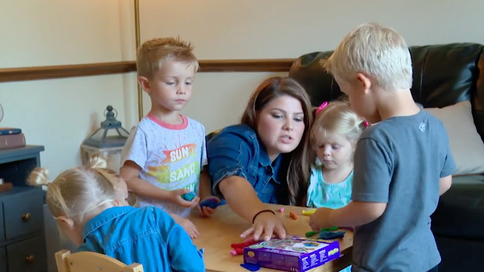 Kelly Jo Bates has homeschooled all 19 of her children and is filled with knowledge when it comes to teaching kids from home.