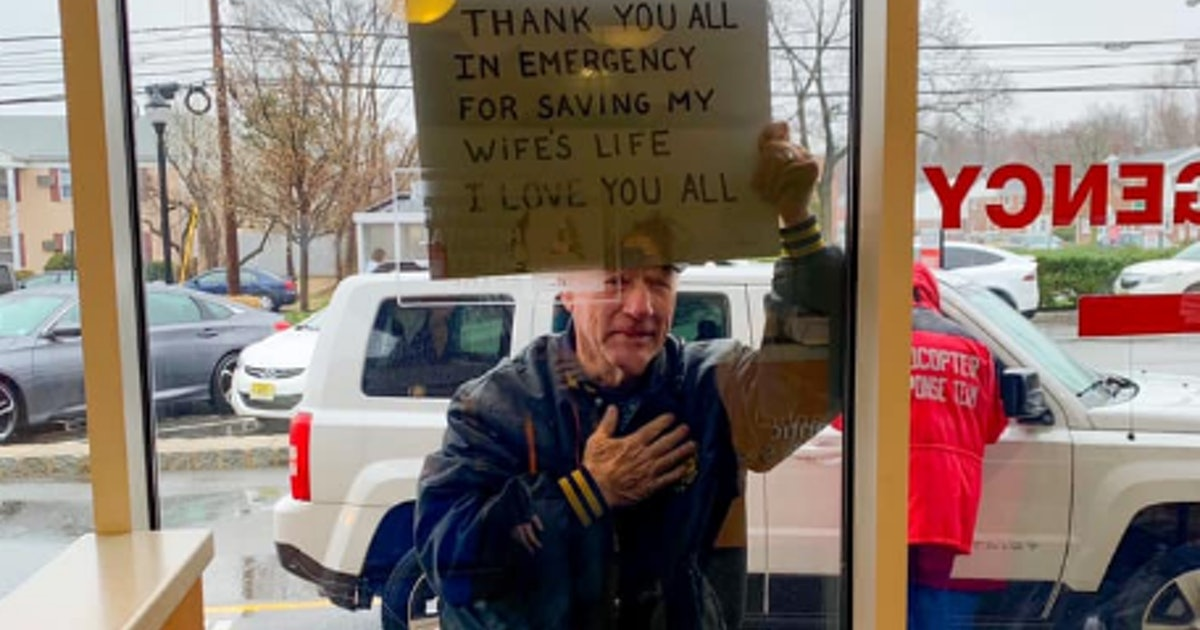 Emotional Photo Shows Man Sharing His Gratitude For Doctors, Nurses Who Saved His Wife
