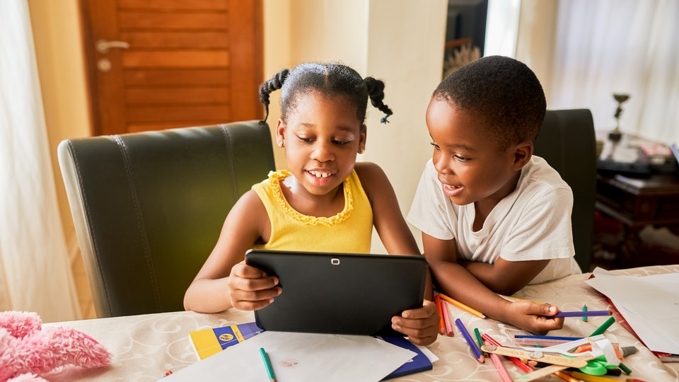 kids using virtual playdate app