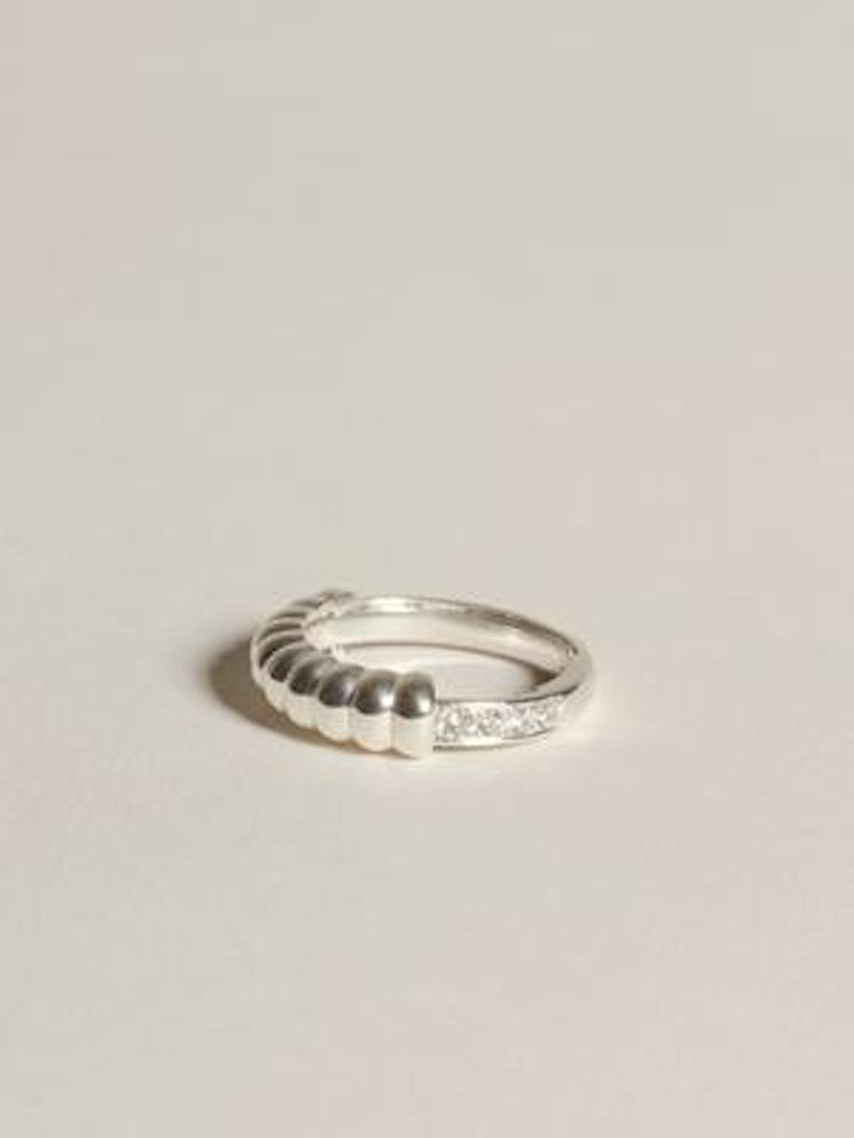 Niche Ring