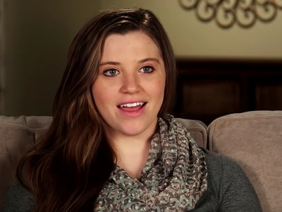 Joy-Anna Duggar took to Instagram to share a 19 week bump update with her fans and followers.