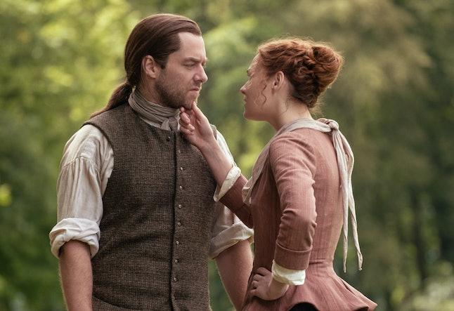 Richard Rankin as Roger and Sophie Skelton as Bree in Outlander