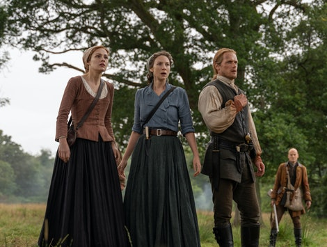 Sophie Skelton as Bree, Caitriona Balfe as Claire, and Sam Heughan as Jamie in Outlander