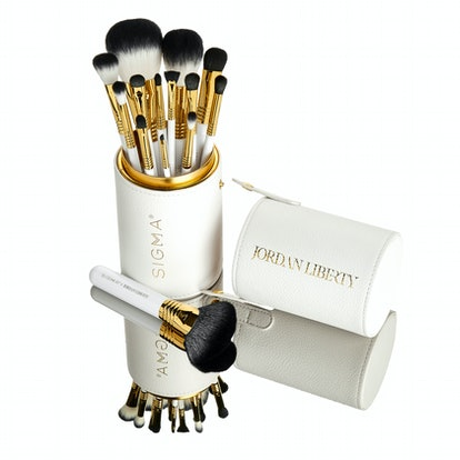 14-piece brush set and brush cup from the Sigma x Jordan Liberty Master Artistry Collection.