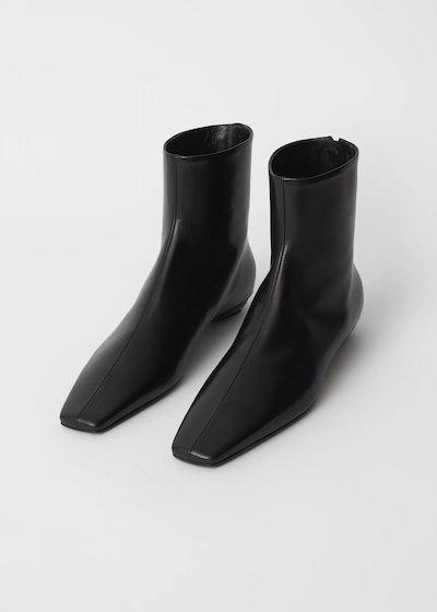 The Flat Boot black