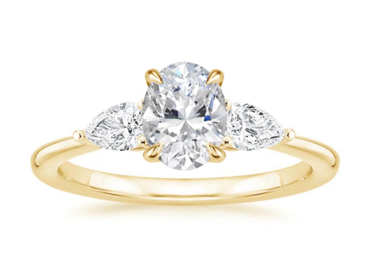 18K Yellow Gold Opera Diamond Ring