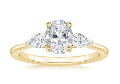 18K Yellow Gold Opera Diamond Ring