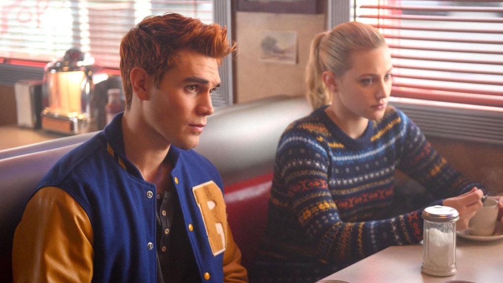 A 'Riverdale' photo of Archie and Betty kissing has fans convinced they'll get together in Season 4.