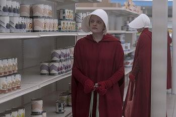 The Handmaid's Tale Elisabeth Moss grocery story