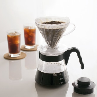 Hario V60 Size 02 Pour Over Starter Set with Dripper, Glass Server, Scoop and Filters