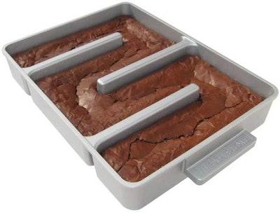 Baker's Edge Nonstick Edge Brownie Pan