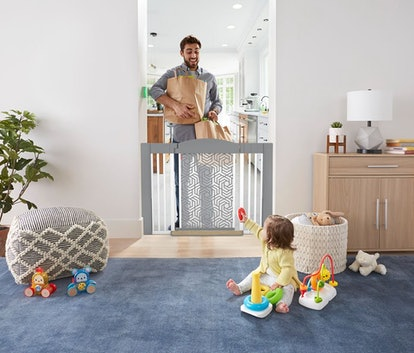 Fisher Price Click™ Hands-Free Baby Gate