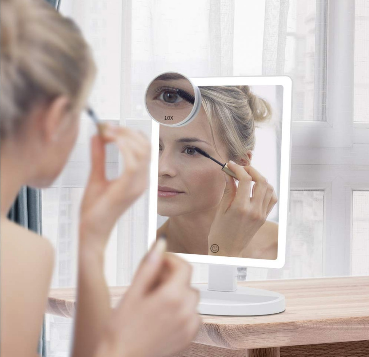 FUNTOUCH Lighted Makeup Mirror